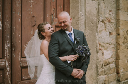Lookslikefilm Colors Rustic Farmhouse Wedding in Tuscany